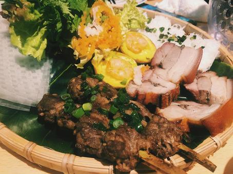 베트남 요리 · 민족 요리