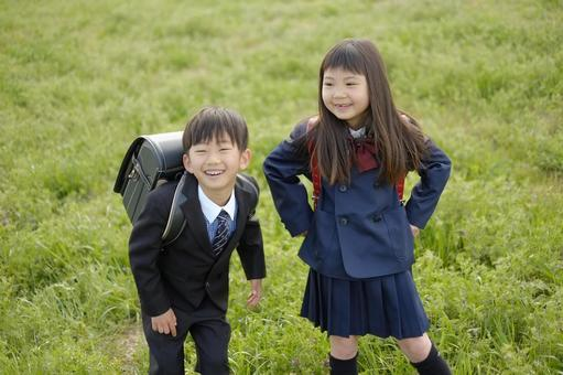 小学男生和女生28