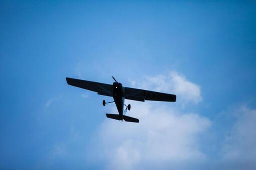 蓝天和飞机3