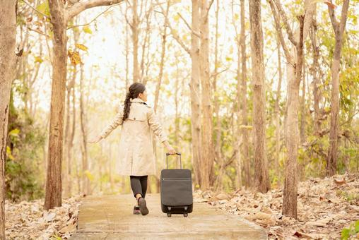여행하는 여성