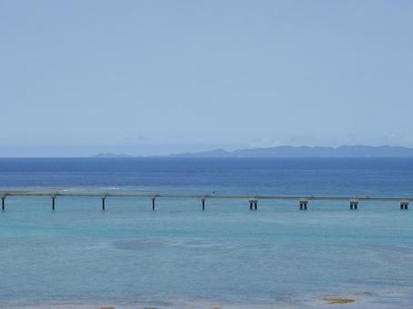 瀬長島에서 본 바다와 게 라마 제도 (오키나와 현 도미 구스 크시 瀬長)