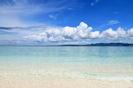 Okinawa sea transparent waves cumulonimbus
