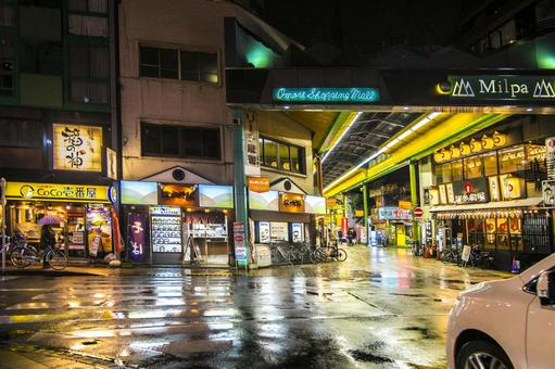 Night view of Ota-ku Omori station shopping street_Rainy day