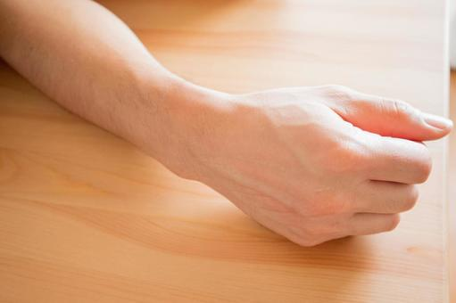 男性の腕の写真素材|写真素材なら「写真AC」無料(フリー)ダウンロードOK