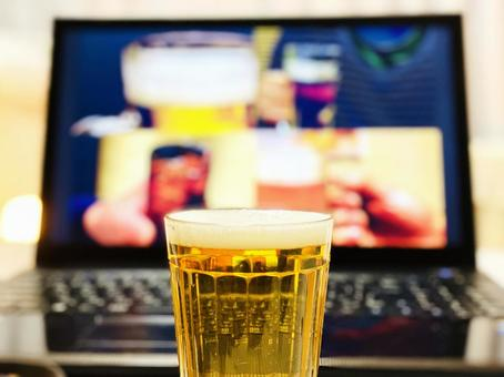Online drinking party and beer