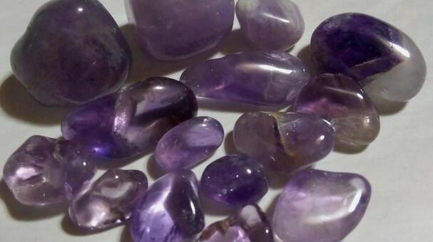 Natural stone 15 (amethyst)