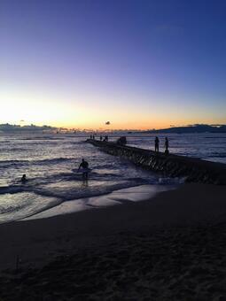 Hawaiian Landscape (113) Embankment at Sunset