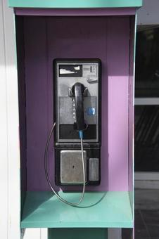 벽에 설치된 낡은 공중 전화 노스 밴쿠버 브리티시 컬럼비아 캐나다