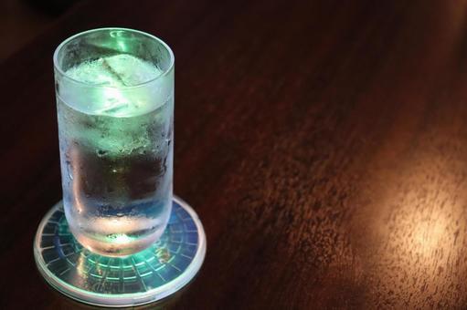 Shining glass (green)