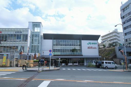 Tabata station building