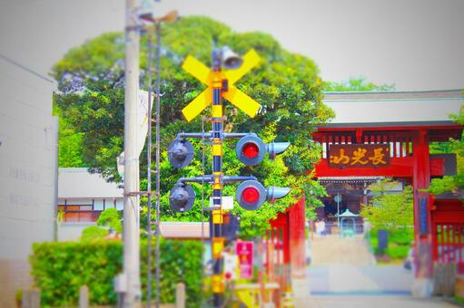 Railroad crossings and temples