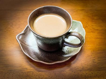 Coffee time / coffee / cafe au lait / milk coffee / coffee shop / caffeine / break / snack / food / drink