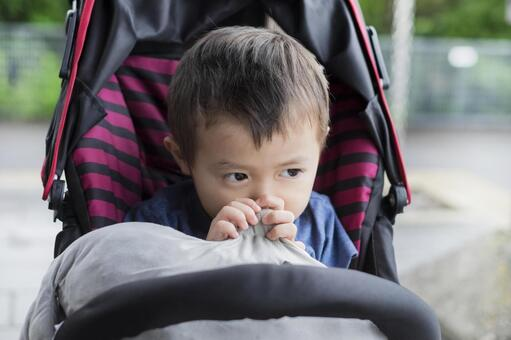 Go out with a stroller_ 3-year-old child who is shy