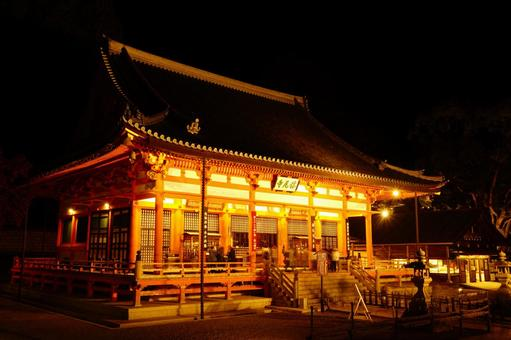 Illumination of the main hall of the temple
