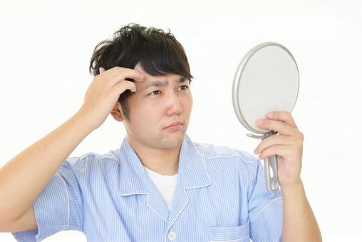 Men dissatisfied with hair sets