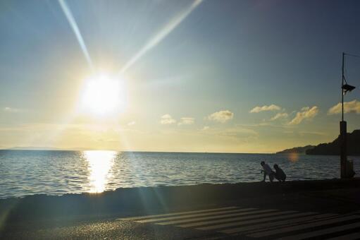 Shining sea and sun 5