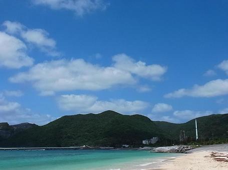오키나와의 바다와 하늘 바다와 하늘 깨끗한 바다