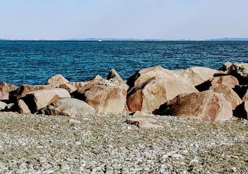 Coast with big rocks