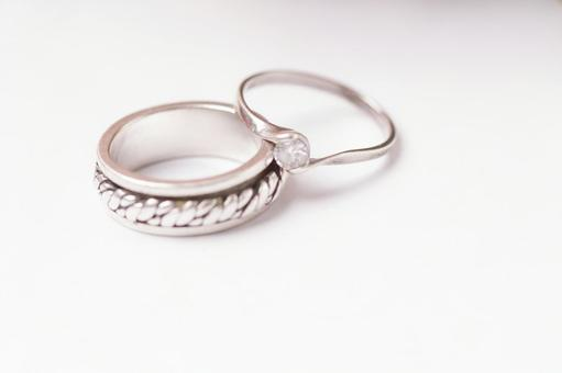 Sand ring and engagement ring 1