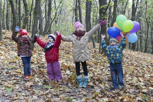 Children in the forest 3