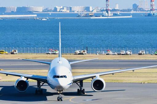하네다 공항의 비행기