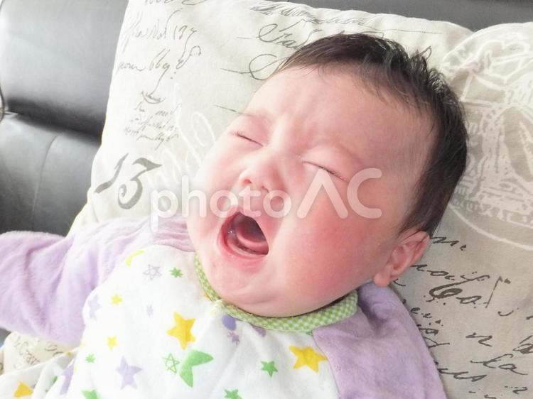 赤ちゃんの泣き顔 3の写真
