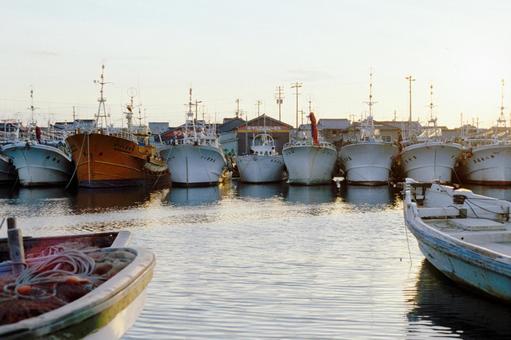 ひしめく漁船