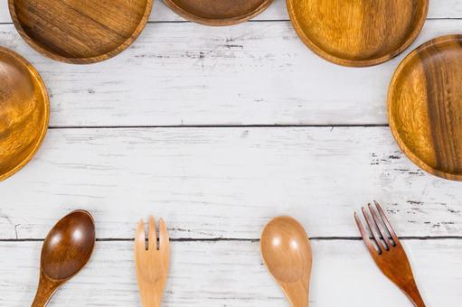 Wooden tableware frame