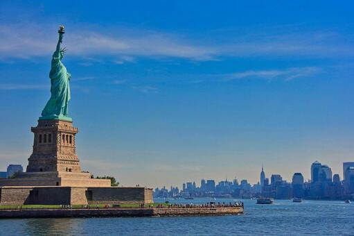 미국 뉴욕 푸른 하늘의 자유의 여신상