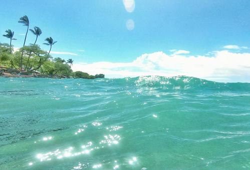Relaxing in the ocean on the Big Island of Hawaii 4