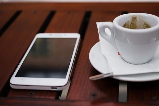 Coffee and smartphone 1