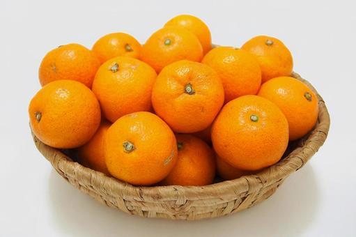 From basket oranges