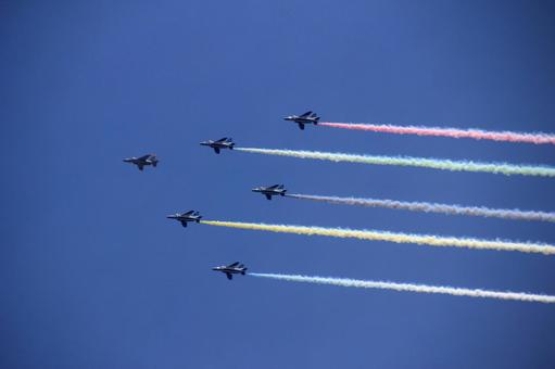 Blue Impulse flying over Tokyo at the Tokyo Olympics