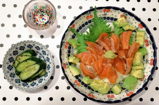 醃三文魚碗(俯視圖)