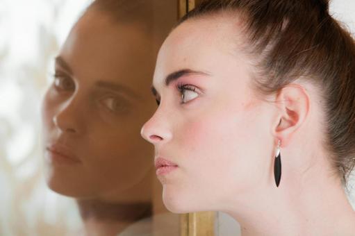 거울과 여성 11