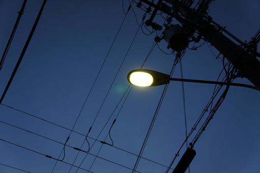 Street lights (mercury)