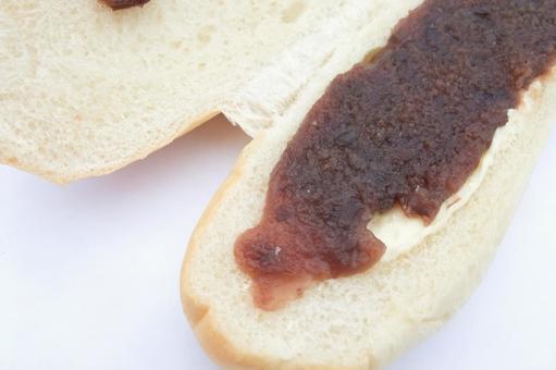 앙과 마가린의 핫도그 번 샌드