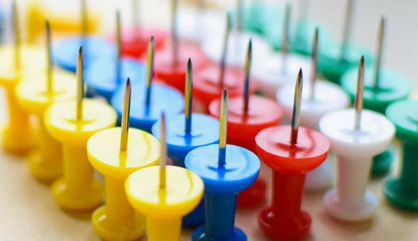 Colorful bongo pin