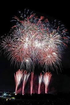 "Joso Kinugawa Fireworks Festival ""Yamazaki Smoke Fireworks / Music Star Mine"""