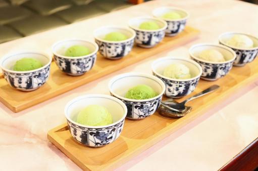 Five-tiered green tea ice cream