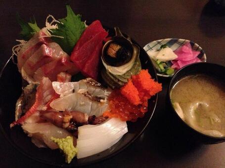 Seafood bowl of Atami