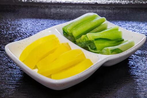 拓aku和醃製的廣島蔬菜