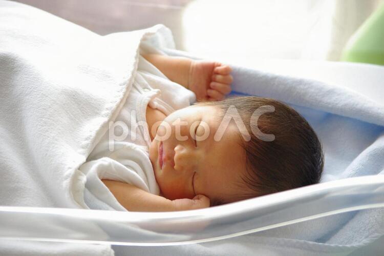 生まれたての赤ちゃん1の写真