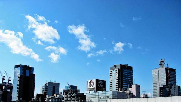 도시의 푸른 하늘