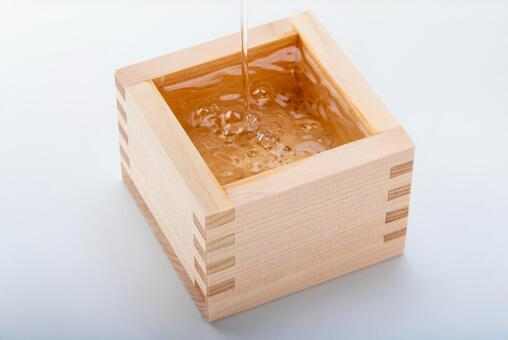 日本清酒的形象(將清酒倒入市橋)