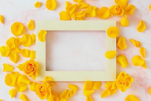 노란 장미 꽃잎 프레임