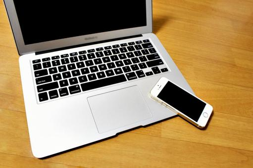 Smartphone and laptop computer 1