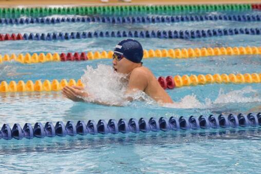 Exemplary breaststroke