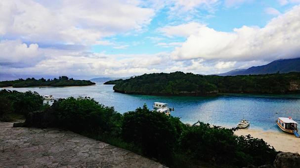Summer Okinawa seaboat cruise