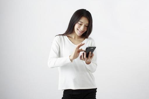 Japanese women with mobile phones 3